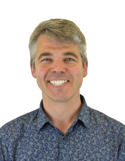 Dr Kenneth Scott-Brown