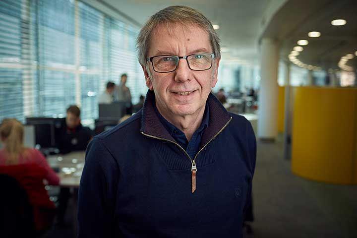 Dr Geoff Lund
