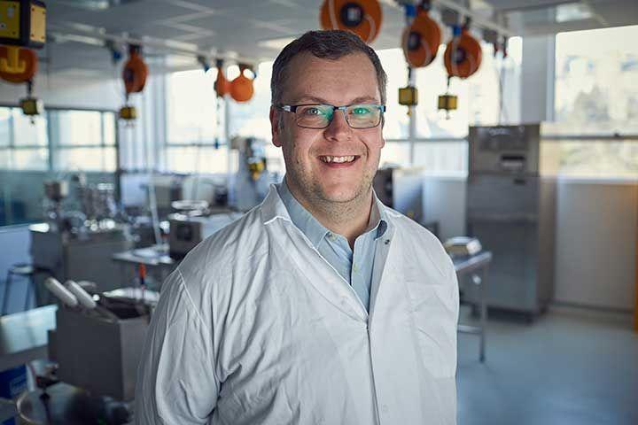 Dr Jon Wilkin