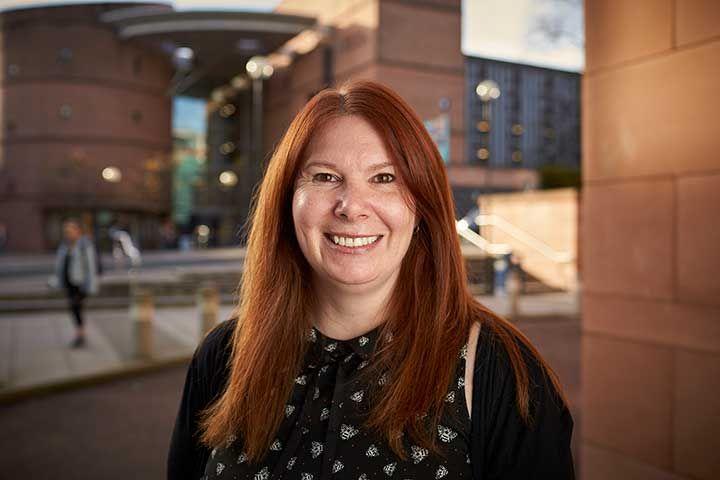 Dr Lynn Wright
