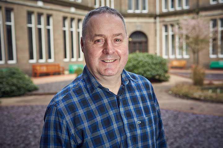 Dr Scott Hardie